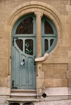 http://therepublicofless.files.wordpress.com/2010/04/art-nouveau-door-1s.jpg