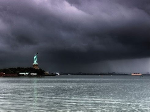 ocean hurricane-sandy-statue-liberty
