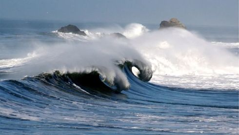 Ocean Waves_in_Pacific_Article_s640x363