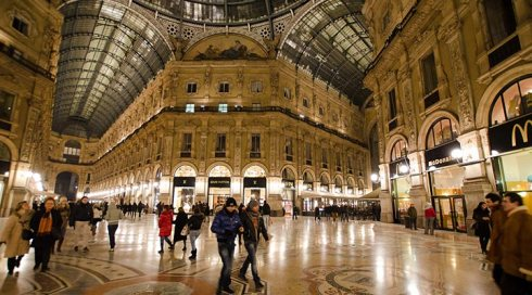 shops live-italy-milan-vittorio-emanuele-ii-shopping-mall-oldest-in-world
