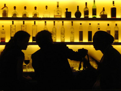 cocktails late new york image