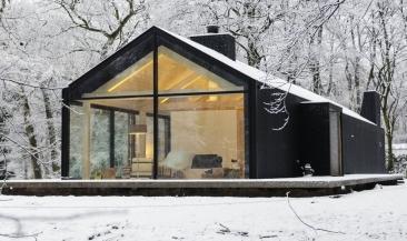 winter-black-house-03b_oisterwijk-brouwhuis-1024x694-e1529458837608.jpg